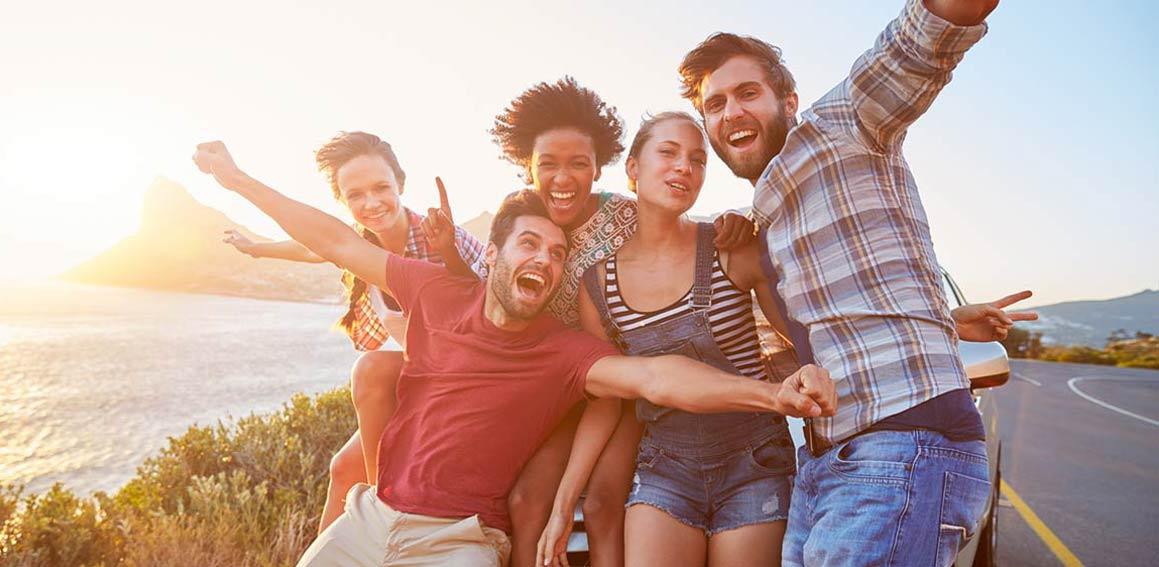 amigos-viajantes-turismo