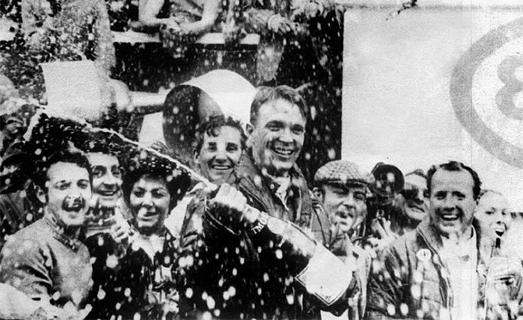 Dan-Gurney-champagne-historia