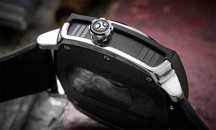 p51-mustang-watch-4