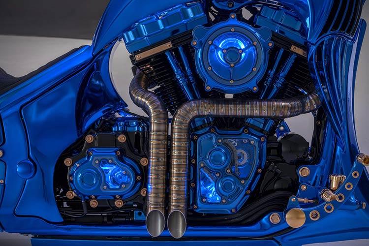 Harley-Davidson-Blue-Edition-1