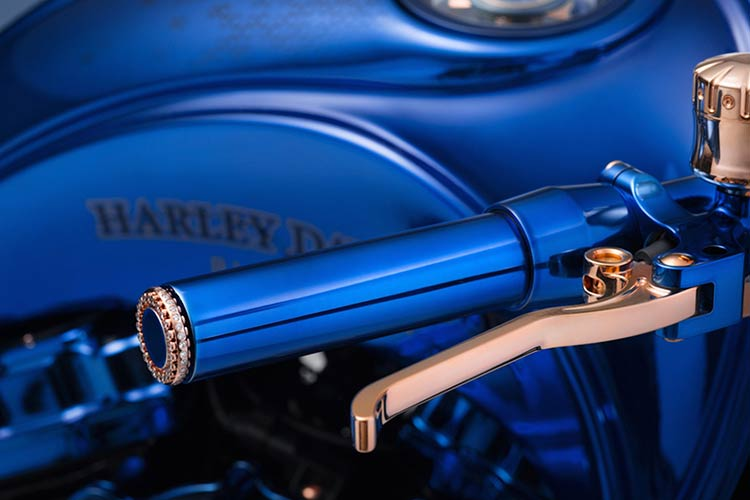 bucherer-bundnerbike-harley-davidson-blue-edition-1