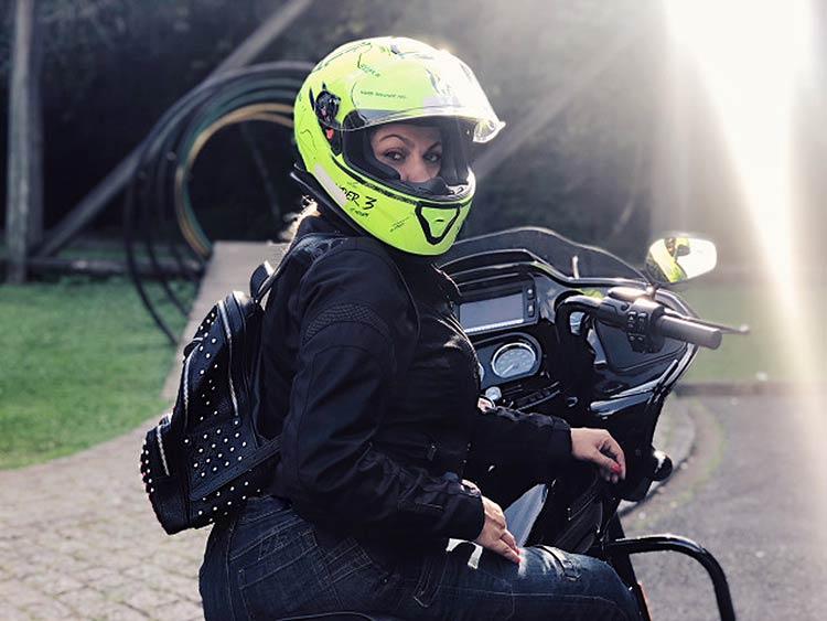 eliane-viagem-moto