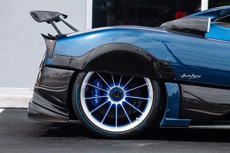 Zonda-HP-Barchetta-detalhe-roda