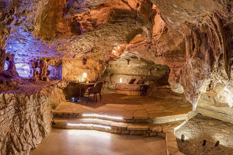casa-arkansas-dentro-caverna-111