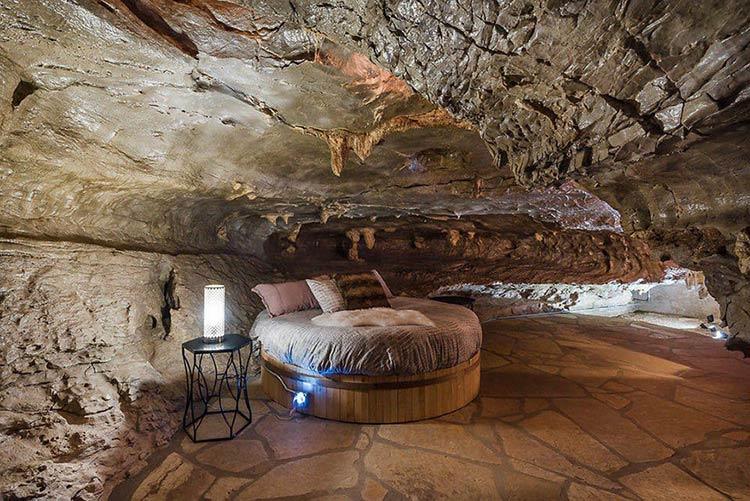 casa-arkansas-dentro-caverna-2