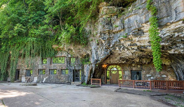 casa-dentro-caverna