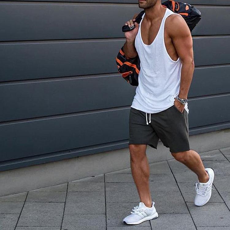 tenis-branco-bermuda