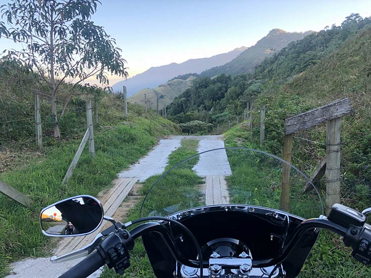 trilha-moto-harley