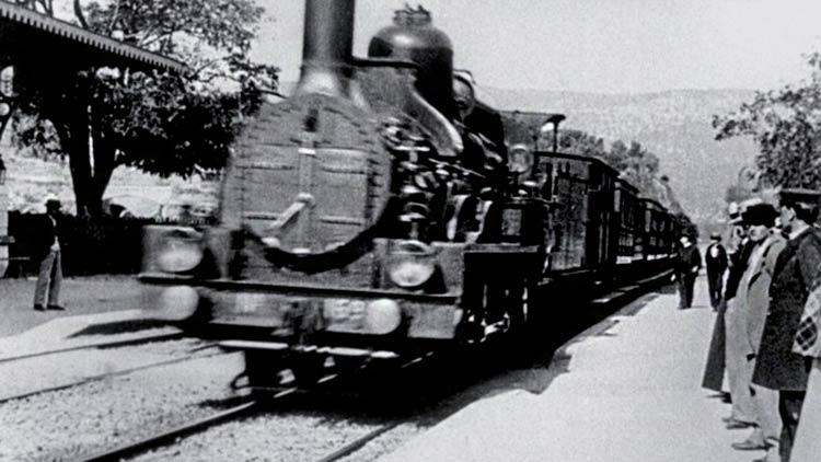 L'Arrivee-d'un-train-a-La-Ciotat