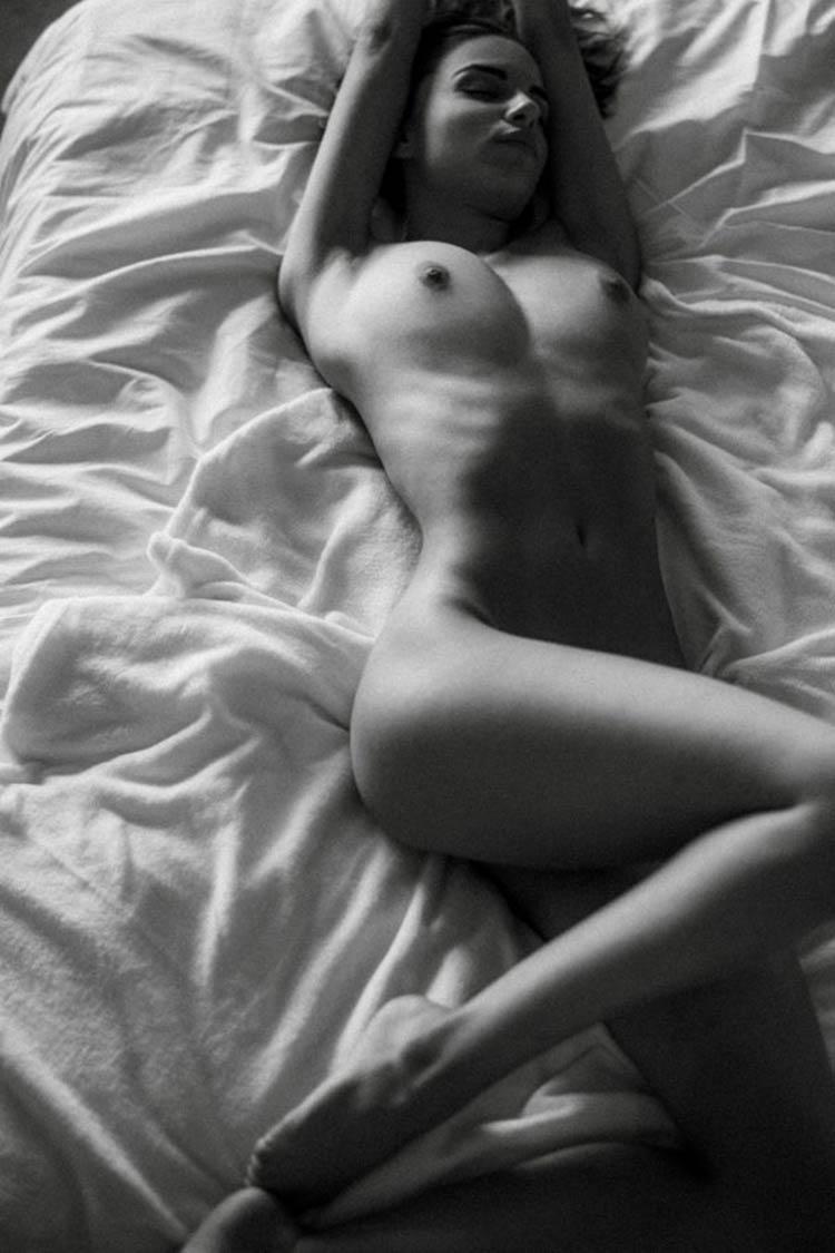 Rebecca-Bagnol-by-Sacha-Leyendecker-for-Osphilia-1-600x900