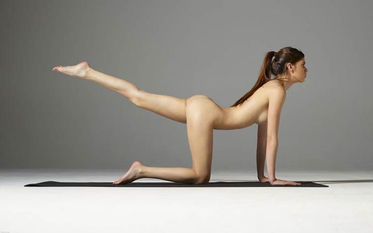 victoria-r-fitness-nude