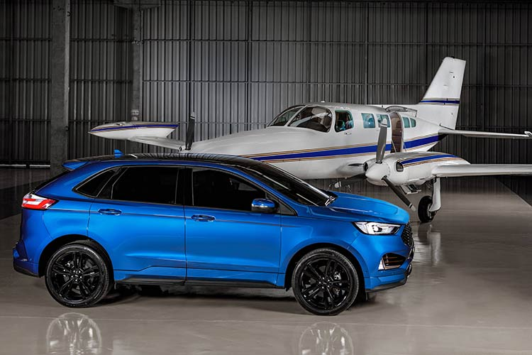 Ford-Edge-ST-Hangar