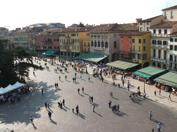 piazza-bra-restaurantes