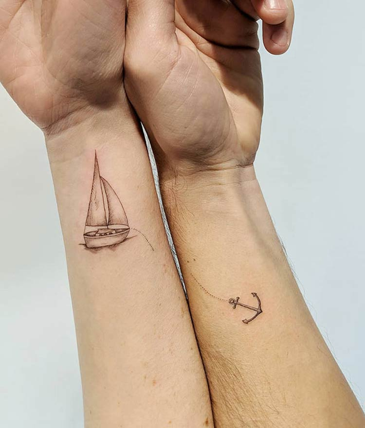 matching-tattoo-ideas-16-5ce53e32a38e9__700