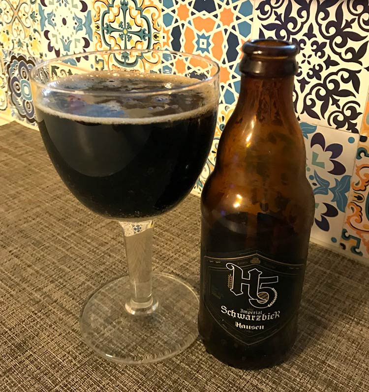 Imperial-Schwarzbier-Hausen-Bier