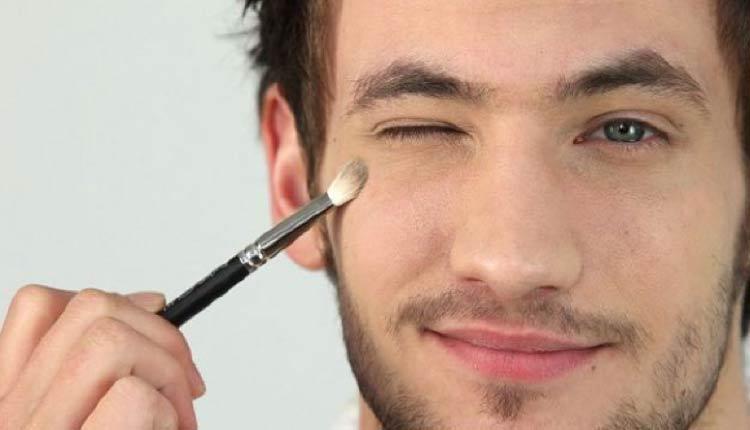 homem-maquiando