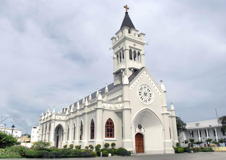 catedral-de-san-pedro-de-macoris