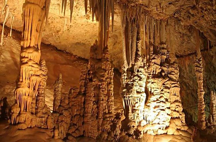 gruta-moravia